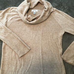 Cowl neck Calvin Klein light sweater